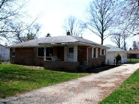 houses for sale shelbyville indiana 409 lockerbie rd shelbyville in 46176 detailed property
