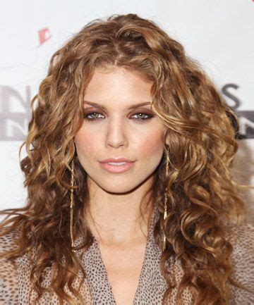 spiral curls toward the face period 9 best haircuts for curly hair tight spiral curls