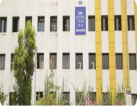 Mba Colleges In Andheri by College Of Commerce And Management Mumbai