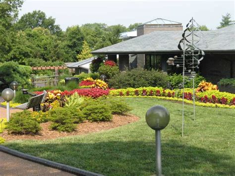 visit the center for home gardening