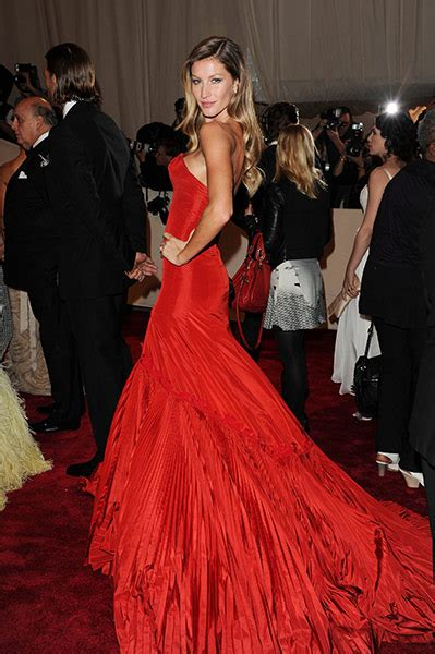 Gisele Bundchen On Anorexia by Mcqueen In Mostra Al Met Di New York The