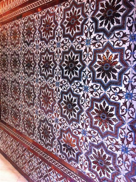 restaurante cuna  en sevilla  azulejos originales de