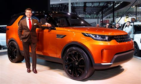 land rover discovery 2016 red update1 land rover discovery concept previews 2016 lr4