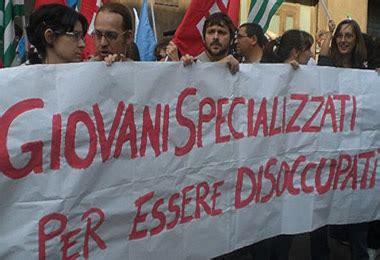 ufficio disoccupazione italia patria dei giovani disoccupati 1 138 000 gli