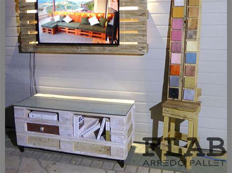 mobili con pedane affordable articolo with mobili con pedane