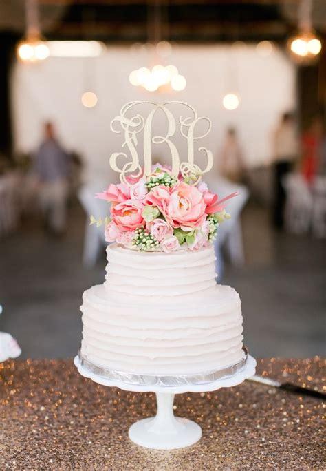 Monogram Wedding Cake by Best 25 Monogram Wedding Cakes Ideas On