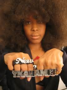 Erykah badu makes a deal on twitter yazmar com