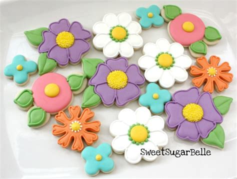 How To Decorate Sugar Cookies With Royal Icing Potted Flower Cookies With A Snowman Cutter The Sweet