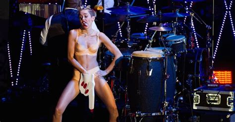 guest op ed was miley cyrus vma performance a parody worldnews was miley cyrus s vma performance a failed blurred lines