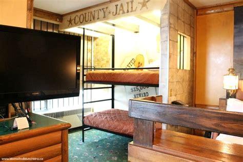 luxury theme rooms fantasyland hotel moms munchkins