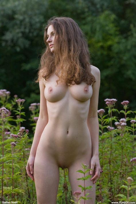 Nude Busty Babe Ready For Hunting