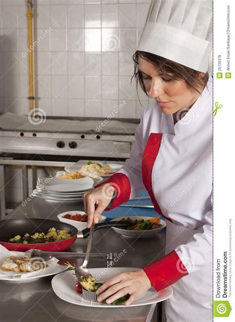 imagenes libres cocina cocinero de sexo femenino en cocina