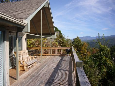 4 bedroom cabins in gatlinburg tn laurel view a 4 bedroom cabin in gatlinburg tennessee