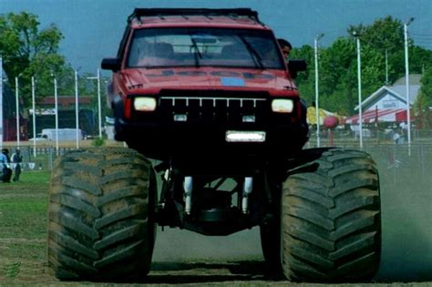 monster jeep cherokee is a 4 5 lift on a xj enough jeepforum com