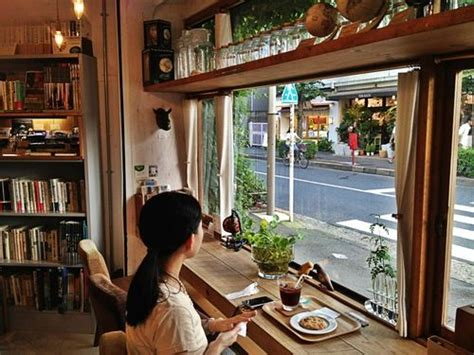 25 best ideas about cozy cafe interior on