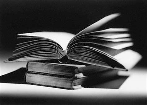 imagenes a blanco y negro de libros libros blanco y negro imagui