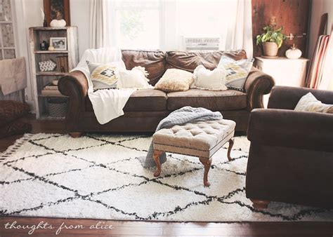 Living Rooms With Brown Couches by 25 Best Ideas About Brown Decor On