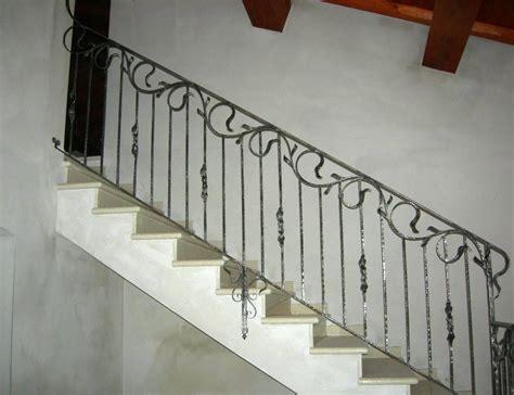 ringhiera design balaustre interne in ferro scale in ferro battuto