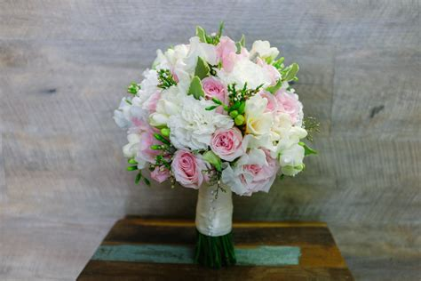 wedding bouquets yarra valley white wedding flowers melbourne earth flowers