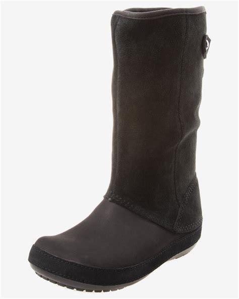 crocs boots crocs berryessa suede boot boots bibloo