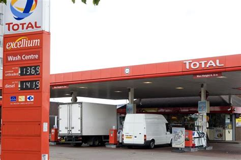 Total Garage Car Wash by Raiders Flee Birmingham Petrol Station After Failing To