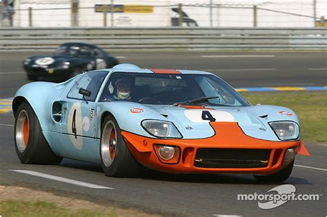 new ford gt40 is ford building a new gt40 to race at le mans