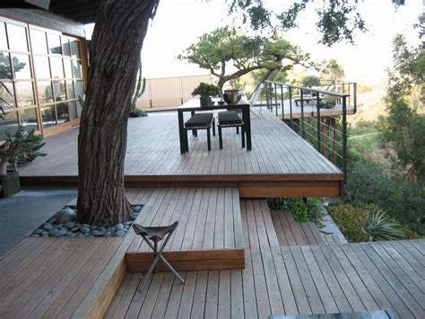 modern decks taking advantage of the hill side location this deck