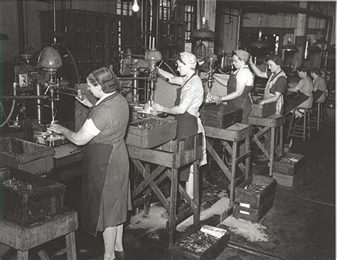 the impact of world war ii on womens fashion in the business model small business pool
