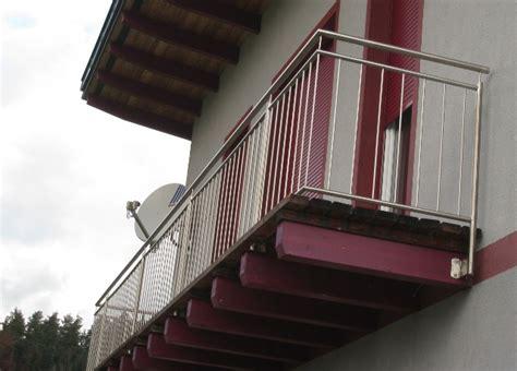 niro stiegengeländer schlosserei gel 228 nder balkon terrasse stiege