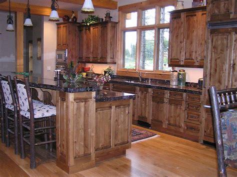 rustic alder kitchen cabinets knotty alder mountain kitchen