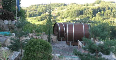 black bucks in a wine barrel room schlafen im weinfass wine barrel room 171 inhabitat green design innovation architecture