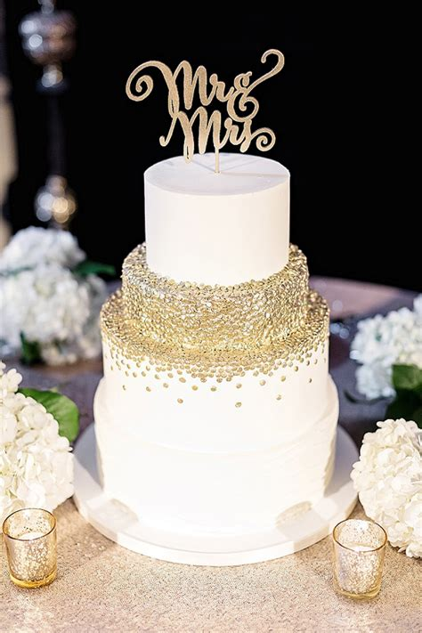 Golden Wedding Cakes by 5 Tips For Choosing The Wedding Cake