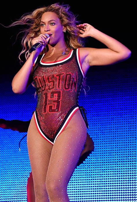 Pop Nosh Beyonce Sporty Swimsuit by Top 10 Beyonc 233 Moments In Sports Si