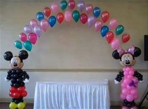 How To Make Balloon Decorations by How To Make A Balloon Decoration Favors Ideas