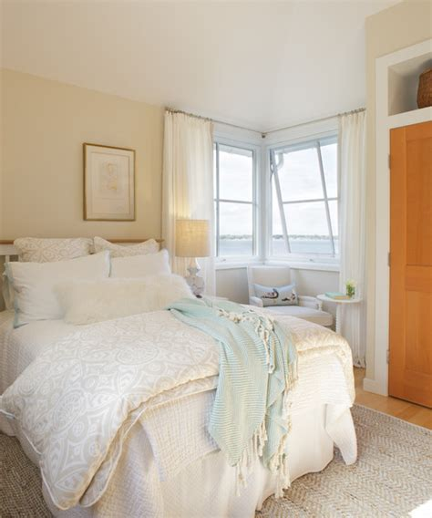 cream colored bedrooms what color are the curtains cream or white