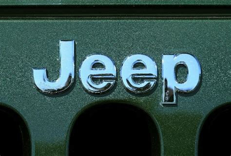 Jeep Commander Shifting Problems Chrysler Recalling Nearly 470 000 Jeeps Ny Daily News