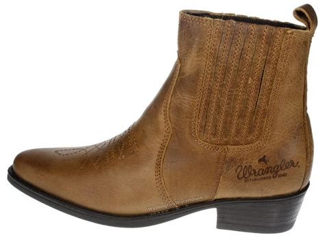 mens wrangler boots wrangler tex mid brown leather pull on mens cowboy pointy