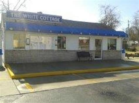White Cottage Belleville Il by The White Cottage Restaurant 102 Lebanon Ave In