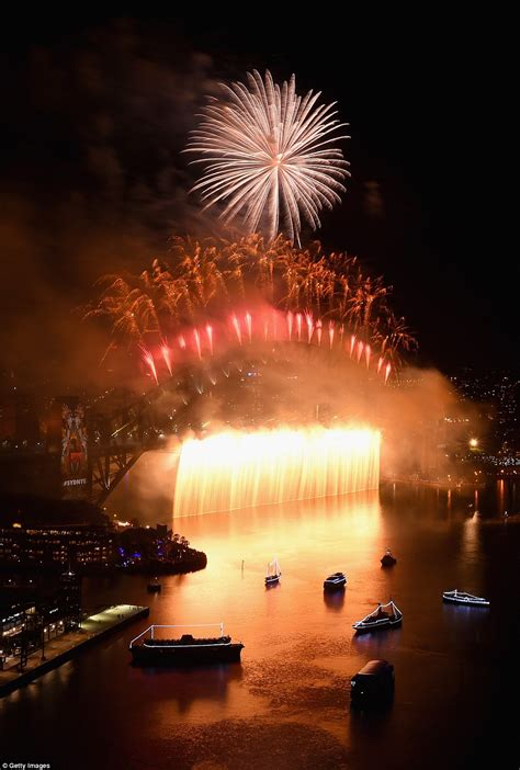 new year sydney 2016 sydney harbour s new year 2016 celebration explodes with