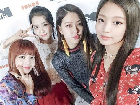 blackpink comeback 2018 omg bts v kisses fans at bts fan meeting kpopmap
