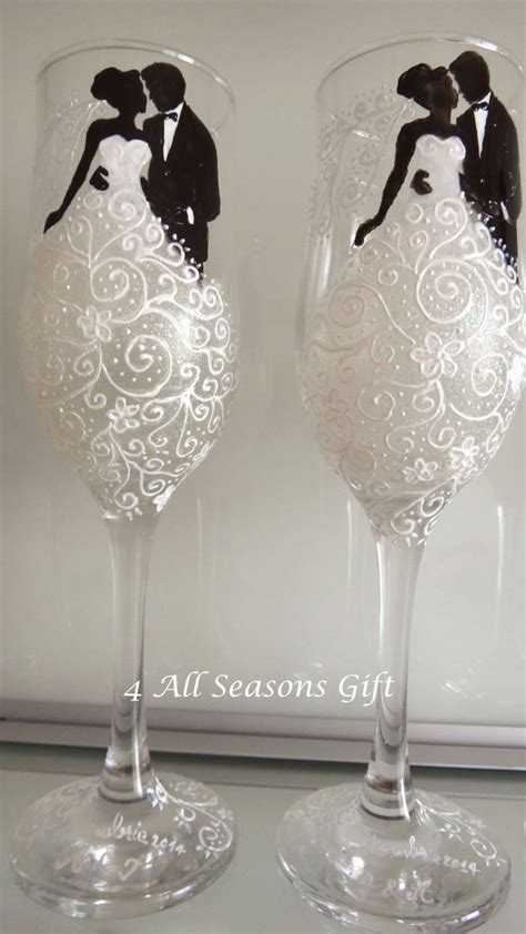 Best 25  Painted glass bottles ideas on Pinterest   Glass