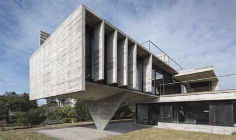 bruet beton ve geometrinin dansi carilo house mimarlikorg