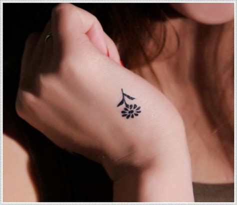 very small tattoos 101 small tattoos for that will stay beautiful
