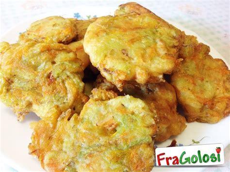 ricette con fiori di zucchina frittelle di fiori di zucchine ricetta di fragolosi