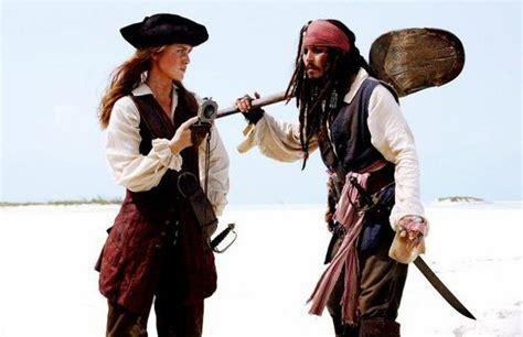 il pirata ci attende foto pirati dei caraibi la maledizione forziere fantasma
