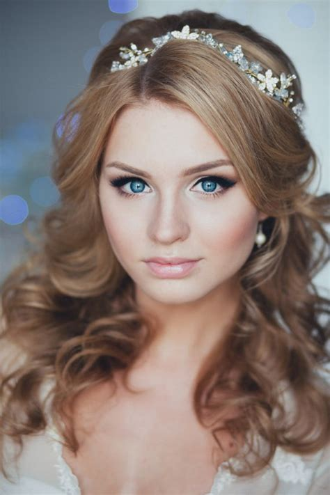 Wedding Hair With Headband by 18 Lovely Wedding Hairstyle With Bridal Headpieces From