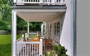 haus mit veranda bauen die 252 berdachte veranda der landhaus villa baufritz