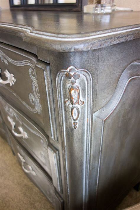 furniture wax over white paint annie sloan graphite old white mixed with clear wax dark