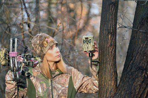 best cams top end trail cameras for 2016 bowhunter