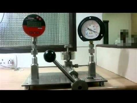 how to calibrate a pressure gauge with a pressure pressure gauge calibration pressure calibrator youtube
